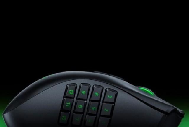 Razer بر روی موس گیمینگ Naga مخصوص چپ دست ها کار میکند