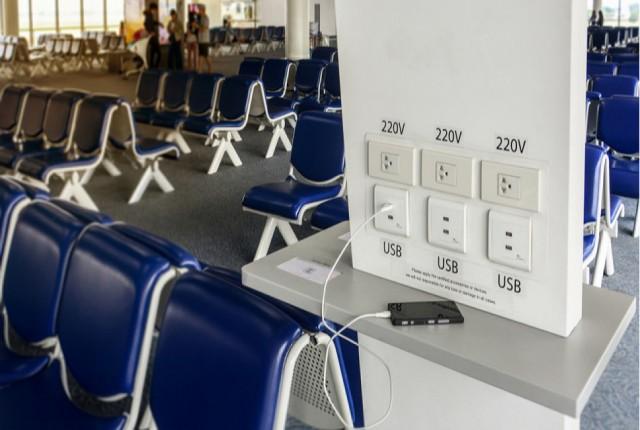 از پورت های شارژ USB عمومی استفاده نکنید