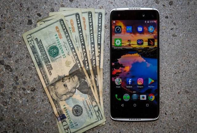 بهترین گوشیهای زیر 500 دلار: آیفون 8، پیکسل 3A، گلکسی A50 و...